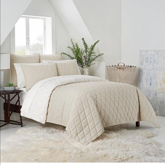 Ugg Bedding Ugg Terra Reversible Quilt Set Twinxl In Cream Poshmark